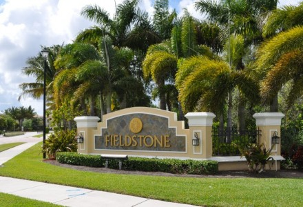Fieldstone Community Lake Worth FL Entrance Picture