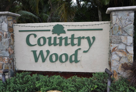 Countrywood Lake Worth Sign