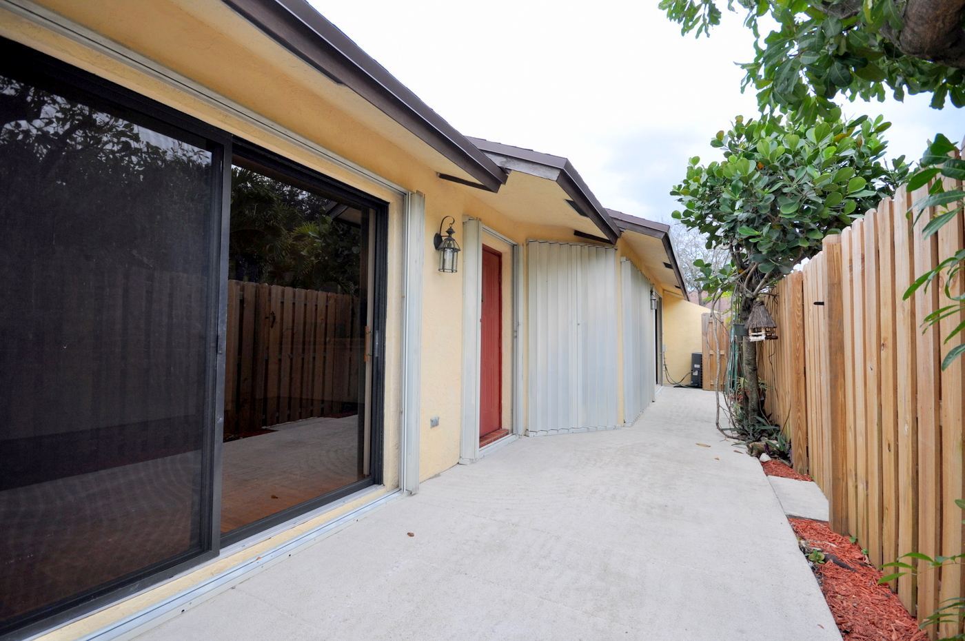 293 Springdale Circle Palm Springs Fl 33461 Springdale